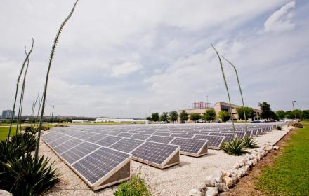 ut_solar_farm_at_pickle_research_campus.jpg